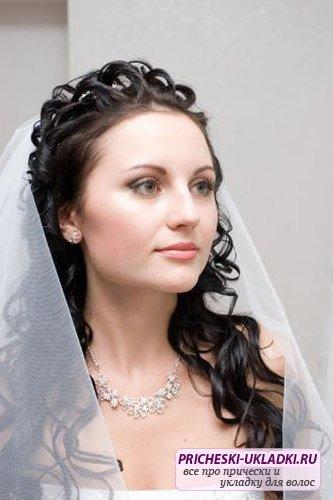 Красивые свадебные прически должны