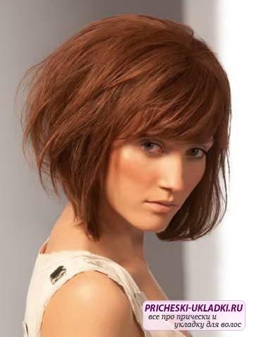 Стрижки модные на средние волосы фото