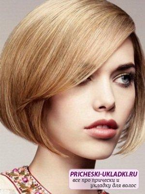 Стрижка круглое каре - выбор для вьющихся волос