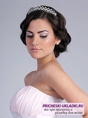 Подбираем прическу на короткие волосы на свадьбу