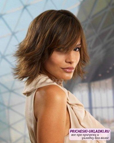 Модные стрижки на средние волосы. Фото и видео